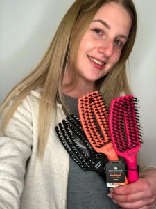Elke with Fingerbrush to resell in her salon